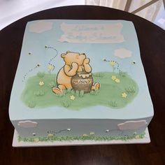 Vintage Winnie the Pooh Baby Shower Cake Winnie The Pooh Themes, Winnie The Pooh Cake, Winne The Pooh, Winnie The Pooh Birthday, Vintage Winnie The Pooh, Baby Birthday, Baby Shower Sheet Cakes, Baby Shower Cupcakes, Shower Cakes