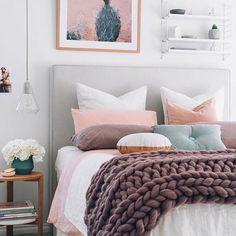 Bom diaaa! Olhem essa cama  amei demais!!! Quem quiser ideias para arrumar a cama dá um like aqui #organizesemfrescuras #cama #organização #pinterest #decor #quarto
