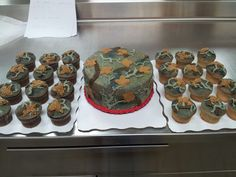 Camo wedding cake and cupcakes