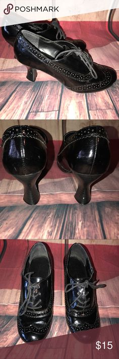 "Laundry List Vegan Patent Oxford Chunky Heels Women's Laundry List Black Vegan Patent Oxford Chunky Heels Size 6.5 2 1/2"" heel laundry list Shoes Heels"