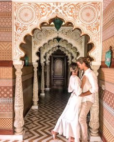 The Ultimate Guide To Jaipur - American and the Brit - Travel Couple Passport Information, Jaipur Travel, Heritage Hotel, Rooftop Restaurant, Jaisalmer, Famous Places, Buy Tickets, Travel Couple, Safe Place