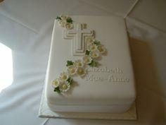 Holy Communion Daisy Mae cakepins.com