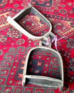 Turkmen stirrups