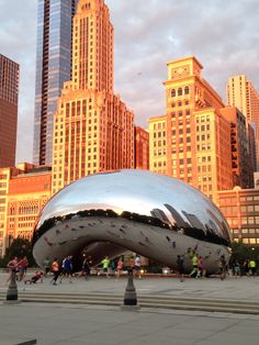 See 9763 photos and 301 tips from 47802 visitors to Cloud Gate by Anish Kapoor. Chicago Photography, My Kind Of Town, Church Architecture, City Lights, Cool Designs, Big Shoulders, Urban, Canvas Paintings, Beautiful Scenery
