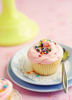 Bakery-style vanilla cupcakes (Magnolia Bakery recipe). Definitely must try these soon!