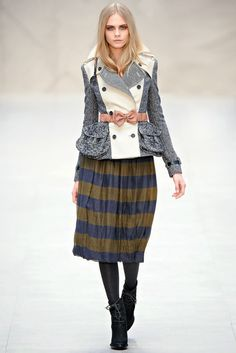 Storehouse of Memory: It's Trendy: Midi Skirts. Burberry Prorsum. Colección Ready-To-Wear Otoño-Invierno 2012/2013. Model: Cara Delevingne.
