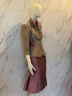 Blouse Batik, Thai Dress, Cool Outfits, Fashion Outfits, Thai Style, Traditional Fashion, Nice Clothes, Lace Skirt, Costumes