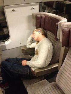 Sleepy Niall! -E