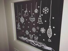 Rendier + kerstman en Sneeuwvlokken #raamtekening (kerstballen eigen maaksel) door Leonie K.
