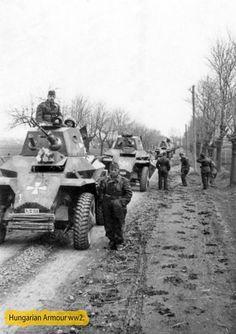 Délvidéki hadműveletben részt vevő első felderítő -zászlóalj menetoszlopa. Armored Vehicles, Armored Car, Defence Force, Military Vehicles, Ww2, World War, Army, Soldiers, Weapons