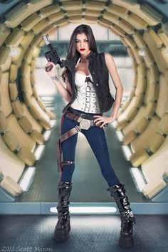 """""""You half wit, stuck up, curvy looking, Nerf herder!""""  """"Who's curvy looking?!?"""""""