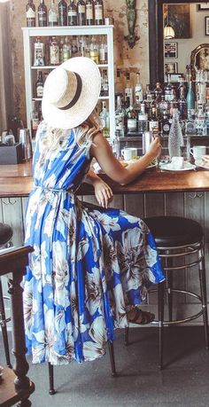 Emblonzed with blooming floral sketch all over, a V-cut neckline and a self-tie sash on waist, this spirited style exudes enough delight to go around! Marvelous Floral Chiffon Maxi Dress in Blue featured by LMPcollections Blog