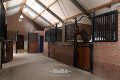 Restauratie monumentale boerderij - paardenstal