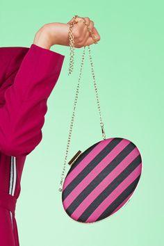 Bags Leather Crossbody Bag, Leather Purses, Leather Bag, Latest Bags, Mini Handbags, Cheap Bags, Earring Set, Shopping Bag, Fashion Accessories