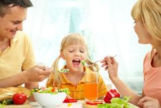 Anak-anak tidak akan tertarik dengan setumpuk bayam di mangkuk yang kita sajikan untuknya. Ya, memang mereka tahu bahwa ini merupakan makana sehat. Tapi peng...