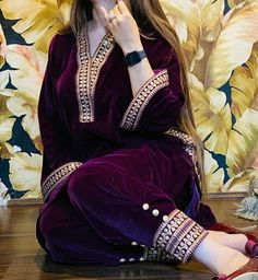 Beautiful Pakistani Dresses, Pakistani Dresses Casual, Pakistani Dress Design, Pakistani Bridal, Dress Casual, Indian Bridal, Casual Wear, Beautiful Dresses, Beautiful Dress Designs