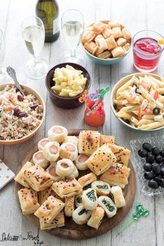 APERICENA: delicious ideas & recipes, simple and fast to make . quick and easy ideas Party Finger Foods, Finger Food Appetizers, Yummy Appetizers, Appetizer Recipes, Easy Potato Recipes, Quick Recipes, Wine Recipes, Cooking Chef, Cooking Time