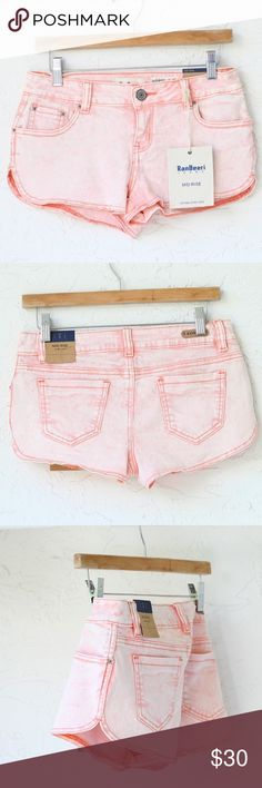 """Vintage Mid-rise denim Dust Pink Shorts *NWT*  - Vintage - Mid-rise - Stretch  *MEASUREMENTS: - Size: 3, 26 USA - Outseam: 8.5"""" Approximately   *Material: - 98% Cotton, 2% Spandex Shorts"""