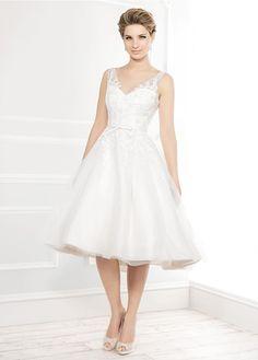 Ellis Bridals 11404 available at Limelight Occasions. #ellisbridals #limelightoccasions #tealengthdress #tulledress #bridal #weddingdress #wedding