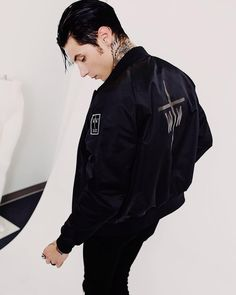 Andy Biersack Discover Kitchen Ware Products Heres a pic to examine out!