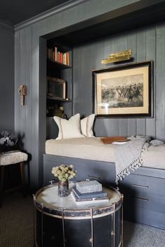 Home Decor Habitacion This Country House In Memphis Makes An Argument For Gothic Decor.Home Decor Habitacion This Country House In Memphis Makes An Argument For Gothic Decor Elle Decor, Alcove Bed, Bedroom Alcove, Cozy Bedroom, Built In Bed, Built Ins, Cozy Nook, My New Room, Small Spaces