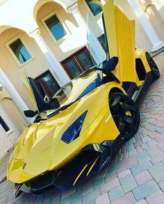 Pinterest: Mariana Guerrero Gon / Lamborghini Huracan