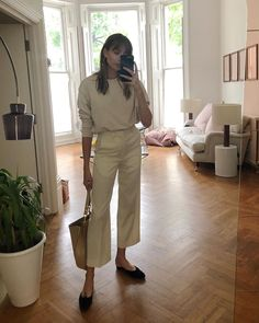 "9 ""Boring"" Accessory Trends Diehard Minimalists Wear Every Single Day Boring Accessory Trends: Lizzie Hadfield wears a pair of ballerina pumps Target Clothes, Target Dresses, Clothes Sale, Clothes Women, Who What Wear, Mode Outfits, Fashion Outfits, Style Fashion, Travel Fashion"
