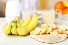 औषधीय गुणों से भरपूर केला (Health Benefits of Banana) Kinky Curly Hair, Curly Hair Styles, Feeling Sleepy After Eating, Banana Health Benefits, Banana Contains, Hair Pack, Organic Shampoo, Pelo Natural, Delicious Fruit