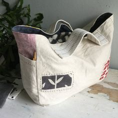 This listing is for the cotton canvas straps used for the Side Handle Gusset Tote. You will receive TWO precut pieces the exact size needed for the tote. Tote Pattern, Bag Patterns To Sew, Pdf Sewing Patterns, Fabric Tote Bags, Fabric Basket, Rice Bags, Diy Handbag, Knitted Bags, Lining Fabric
