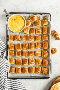 Homemade Pretzels, Pretzels Recipe, Soft Pretzels, Appetizer Recipes, Snack Recipes, Appetizer Ideas, Dip Recipes, Yummy Recipes