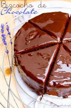 Bizcocho de chocolate con Thermomix Choco Chocolate, I Love Chocolate, Chocolate Cupcakes, Chocolate Recipes, Chocolate Blanco, Thermomix Desserts, Bakery, Good Food, Vegan Recipes