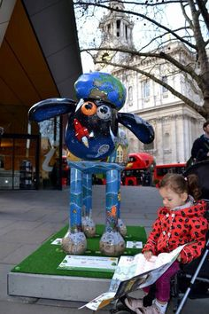 Finding Shaun at the City of London Information Centre by St Paul's Cathedral