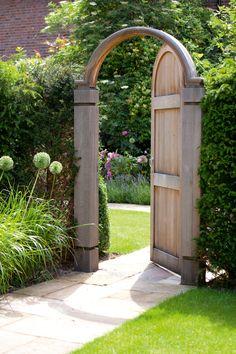 Contemporary Wooden Garden Features - Essex UK, The Garden Trellis Company garden gate