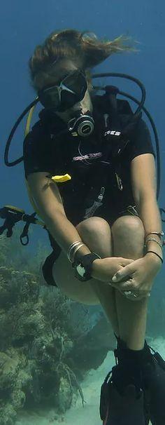 PADI Divemaster course in Utila - Bay Islands College of Diving