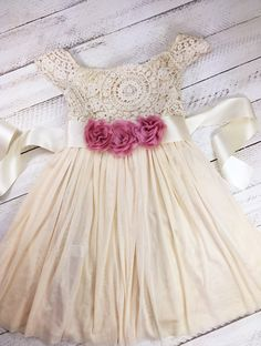 Ivory flower girl dress - 3 flower - vintage dress girl - toddler lace dress - birthday dress - princess - easter dress - spring girl dres by MJfordiva on Etsy