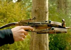 Double crossbow from TV series Grimm. Both bolts are typically dipped in some sort of poison. Grimm Tv Series, Grimm Tv Show, Nbc Grimm, Nick Burkhardt, Monster Hunt, Grimm Tales, Fantasy Weapons, Crossbow, Supernatural