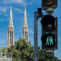 Wiener Ampelpärchen vor der Votivkirche - 2015 Woche 25