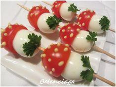 Tomate cherry y huevo de codorniz