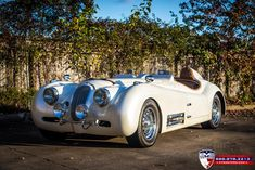 Classic Car News Pics And Videos From Around The World Classic Motors, Classic Cars, Jaguar E Type, Jaguar Cars, Jaguar Xk120, Weird Cars, Crazy Cars, Cute Cars, Pretty Cars