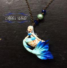 Collier sirène bleu-vert et bleu paillettée sur son par AkikosWorld
