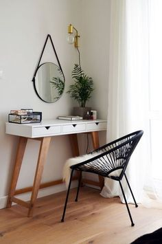 Mid-Century Home Decor Ideas | www.essentialhome.eu/blog | #midcentury #architecture #interiordesign