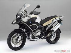 The Traveler - BMW R1200 GS Adventure (33-litre fuel tank!)
