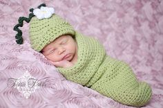 Crochet Pattern Baby Sweet Pea Beanie and Cocoon