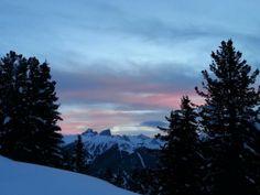 Siete patiti dello sci, ma non siete mai riusciti a solcare una pista per primi? Trentino Ski Sunrise è quello che fa per voi.