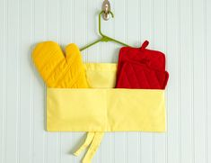 22 Ingenious DIY Projects Featuring Repurposed Hangers