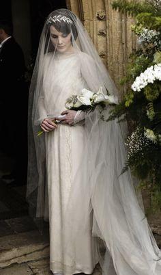 Michelle Dockery as Lady Mary Crawley in Downton Abbey. Wedding Album, Wedding Day, Hair Wedding, Rustic Wedding, Wedding Ceremony, Matthew And Mary, Lady Mary Crawley, Edith Crawley, Downton Abbey Fashion