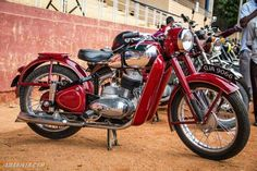 Vintage Motorcycles, Cars And Motorcycles, Classic Motorcycle, Vintage Romance, Old Bikes, Bike Parts, Czech Republic, Bobber, Java