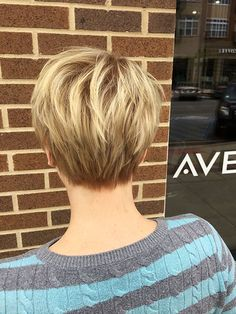 Today we have the most stylish 86 Cute Short Pixie Haircuts. We claim that you have never seen such elegant and eye-catching short hairstyles before. Pixie haircut, of course, offers a lot of options for the hair of the ladies'… Continue Reading → Thin Hair Cuts, Bobs For Thin Hair, Thick Hair, Short Hair Cuts For Women Thin, Razor Cut Hair, Short Pixie Haircuts, Short Hairstyles For Women, Short Stacked Hairstyles, Pixie Haircut Thin Hair