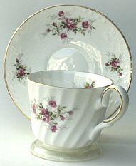 Heirloom teacup & saucer Scatter Rose
