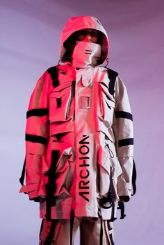 is a Japan based company recently released their Fall/Winter collection. Graphic designs, layering, patterns and fabric are… Sport Fashion, Fashion Outfits, Steampunk Fashion, Gothic Fashion, Long Parka, Harajuku, Cyberpunk Fashion, Wide Pants, Poses